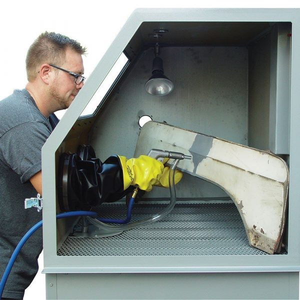 Skat Blast Abrasive Sandblasting Cabinet Action Pic